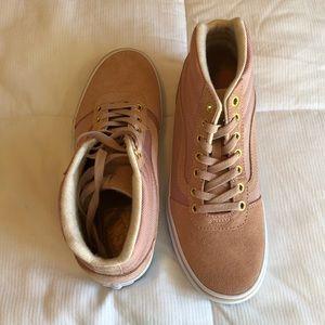 NWOT Rose Van High Rise Sneakers